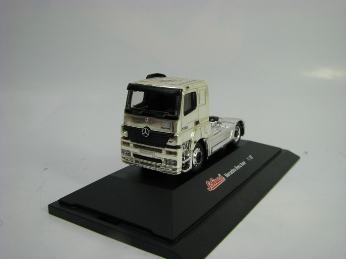 Mercedes-Benz Axor Chrome 1:87 Schuco